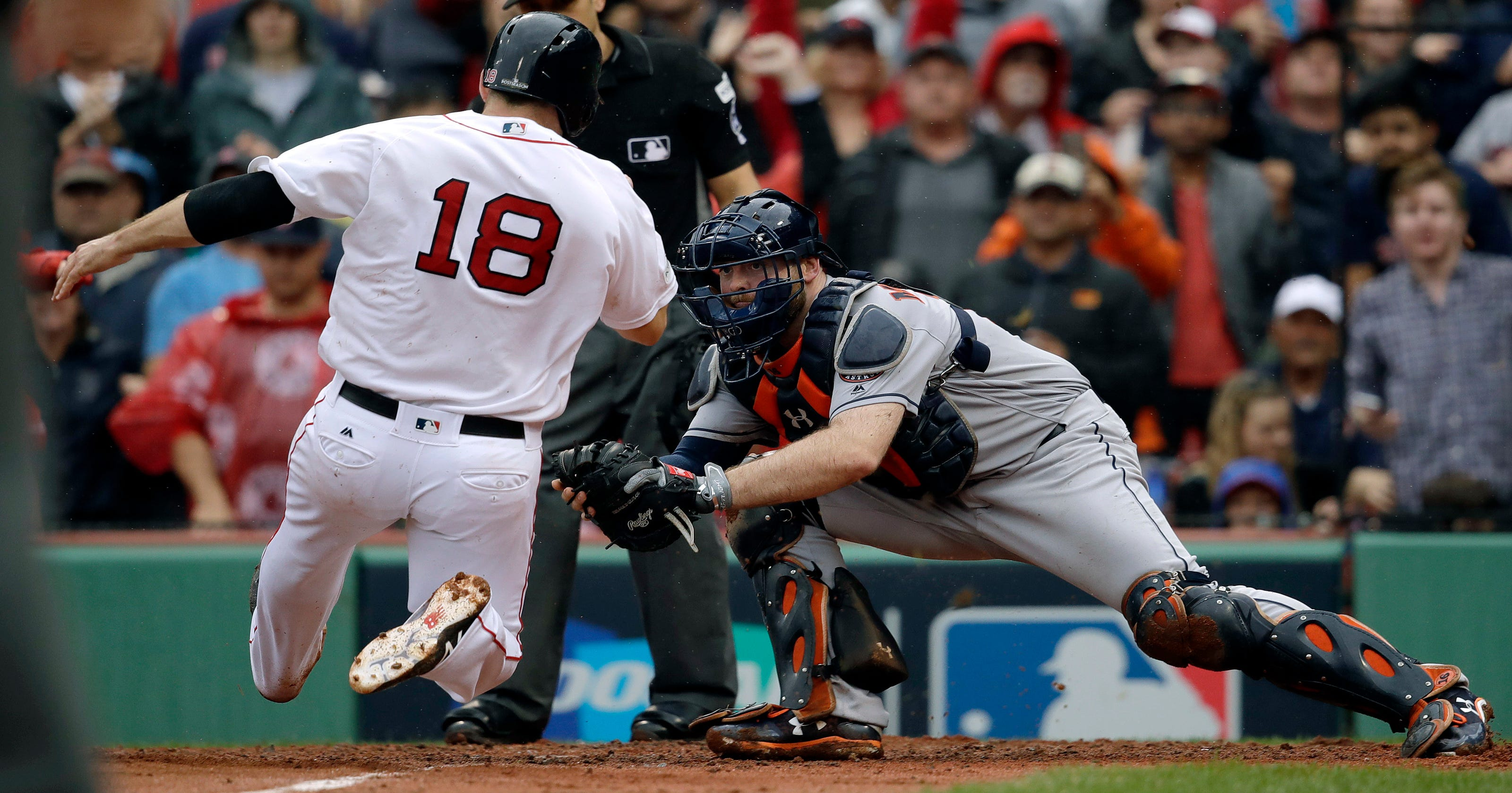 a28928b11 Astros beat Red Sox 5-4 in Game 4