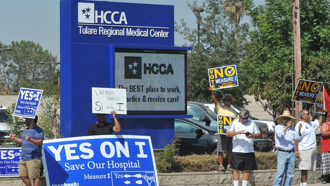 Community members supporting the Yes and No campaigns for Measure I spent the morning of July 25 in front of Tulare Regional Medical Center.
