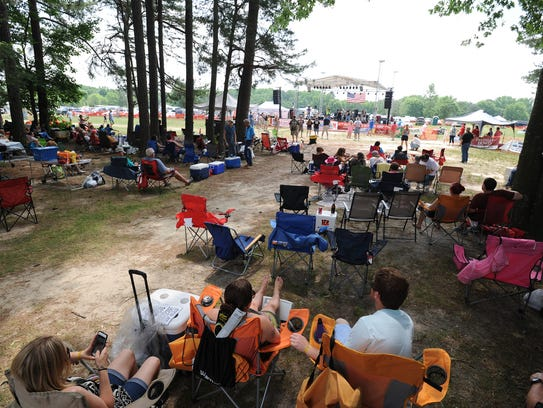Fans begin to fill G&R Campground at the start of the