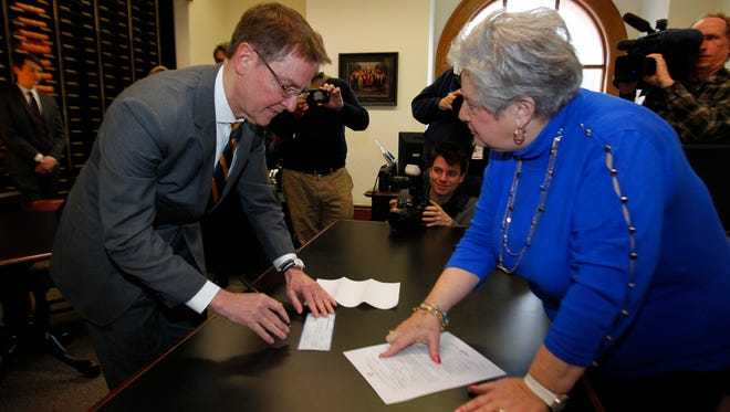 Lexington Mayor Jim Gray filed to challenge U.S. Sen. Rand Paul in the 2016 election, filling a hole on the Democratic ticket left vacant when former state Auditor Adam Edelen at the State Capital in Frankfort, Kentucky.       January 26, 2016.