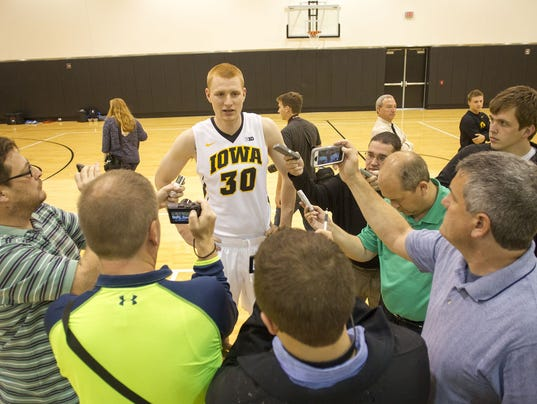 635483679990420274-1412286027008-IOW-1004-Iowa-mbb-media-day-06