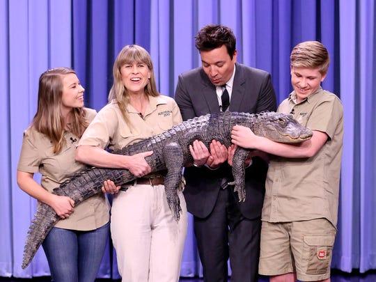 Bindi Irwin, left, Terri Irwin, Host Jimmy Fallon,