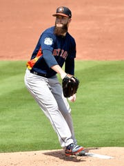 Houston Astros starting pitcher Dallas Keuchel (60)