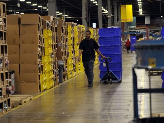 For online retailer, fulfilling orders brings technology into the warehouse