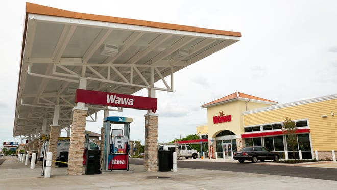 Work nears completion in April 2015 on a Wawa location that opened on U.S. 41 in Fort Myers.
