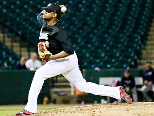 York Revolution's Victor Mateo pitches against the