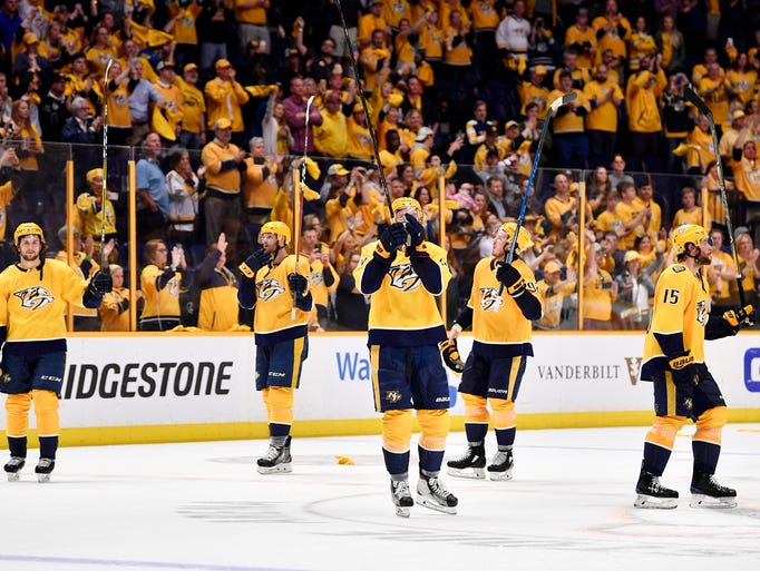 The Predators thank the fans for their support after