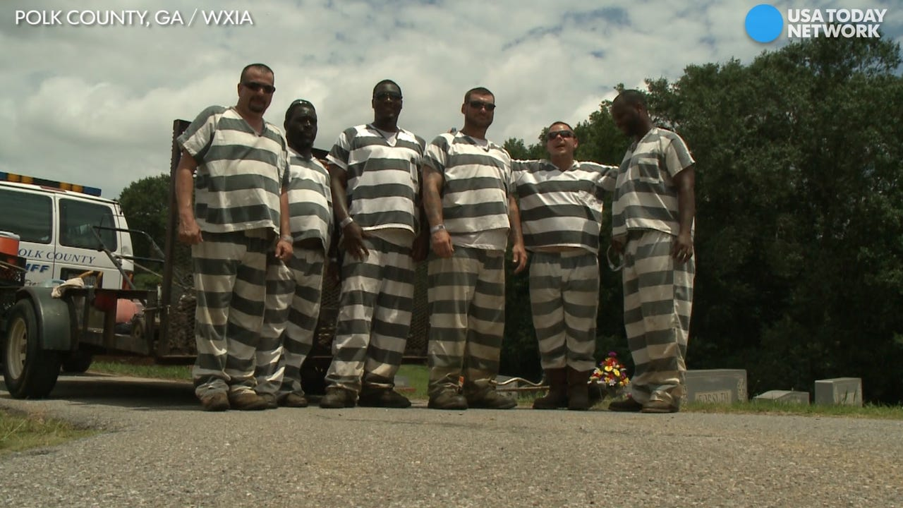 Prisoners save passed out supervisor