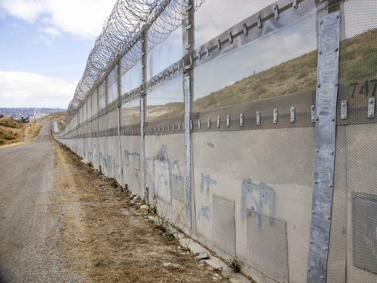 Wall Construction In Us : Construction of prototypes for trump s border wall begins