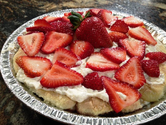 Strawberries 'n' Cream Trifle Recipe — Dishmaps