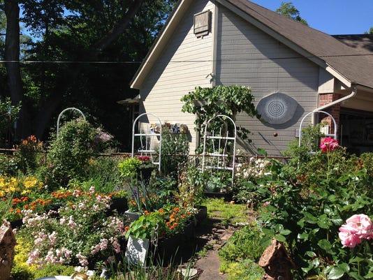 bert garden2