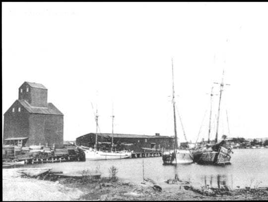 An old photo of the granary.