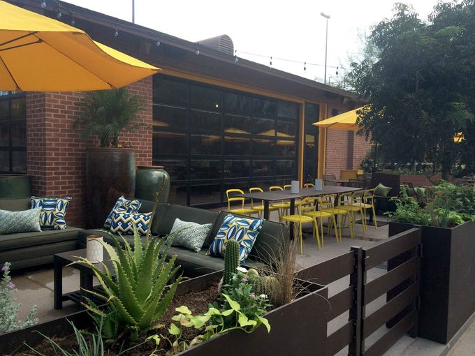 Here Are The Best Restaurants Near Sun Devil Stadium In Tempe