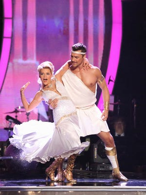"""Witney Carson and Chris Soules dance during the fifth episode of """"Dancing With the Stars."""""""