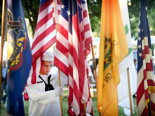 ldn-mkd-061416-flag day-
