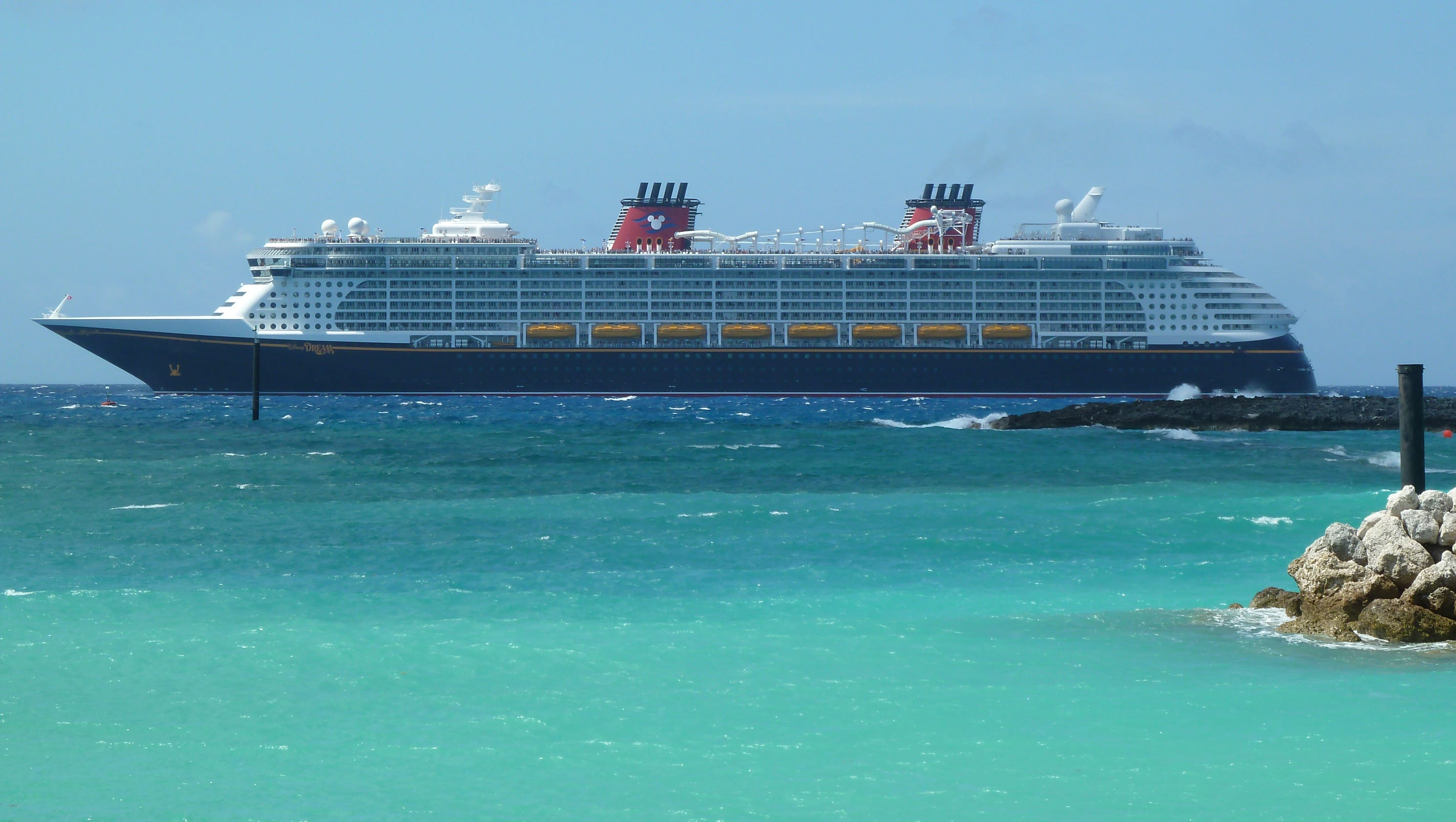 Cruise Ship Tours: Disney Dream, Fantasy Compared