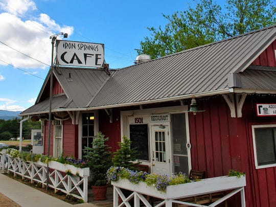 Housed in an old railroad depot in Prescott, Iron Springs Cafe specializes in a mix of Southwestern cuisine and Cajun food.