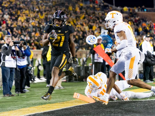Missouri running back Ish Witter (21) runs into the end zone for a touchdown during a game between Tennessee and Missouri at Faurot Field in Columbia, Missouri, on Saturday November 11, 2017.