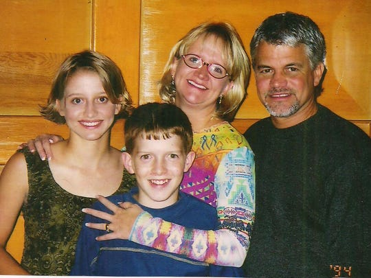 Christian comedian Chonda Pierce and her family in 1994. Left to right, Chera, Zachary, Chonda and David.