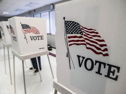 635973003872250676-Voting-stations-AP.jpg
