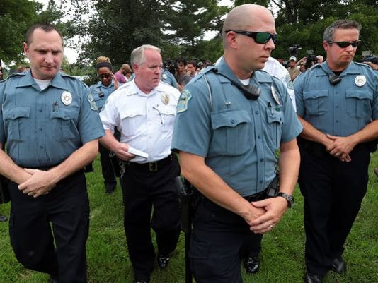 635516398212320128-AP-Police-Shooting-Missouri-001