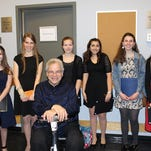 Morris students feted at performance by Itzhak Perlman