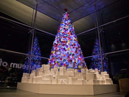 The Corning Museum of Glass celebrates the holidays