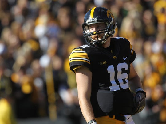 Iowa quarterback C.J. Beathard averaged just 4.6 yards per passing attempt in the Hawkeyes' 17-9 loss to Wisconsin.