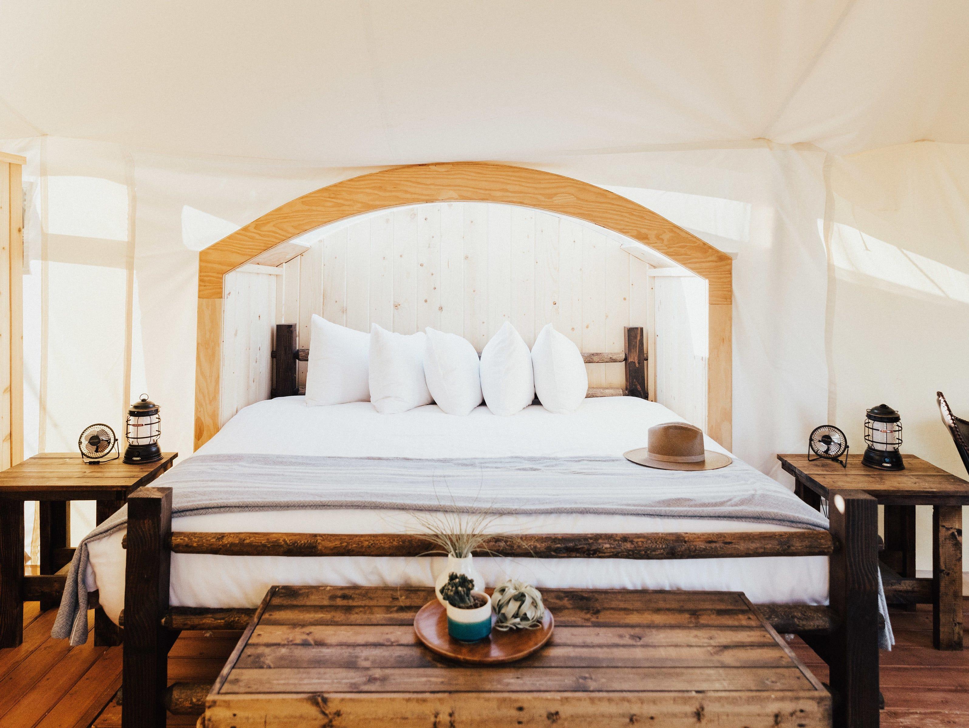 glamping in tennessee  gatlinburg under canvas luxury tents
