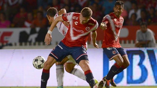 El Veracruz y el Querétaro pondrán en marcha el 6 de enero el Clausura 2017 del fútbol mexicano, torneo en el que se definirá al equipo que perderá la máxima categoría y al que subirá de la liga de ascenso.