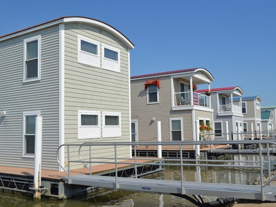 1 floating homes