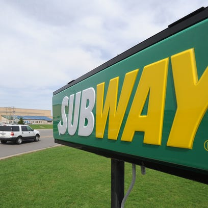 MNJ 0418 Subway sign.jpg