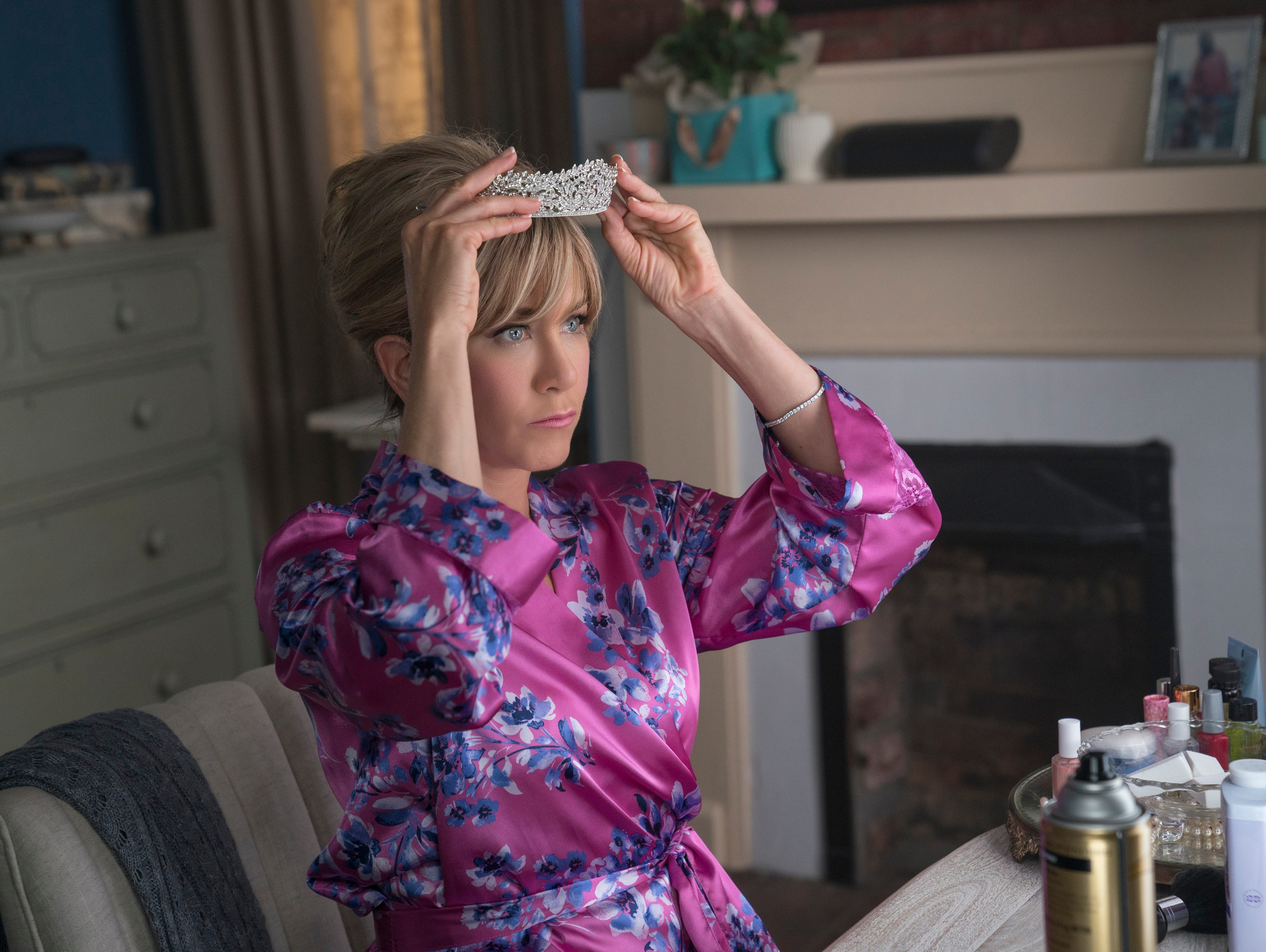 Jennifer Aniston is headed to Netflix, starring as a former beauty black in Dumplin'.