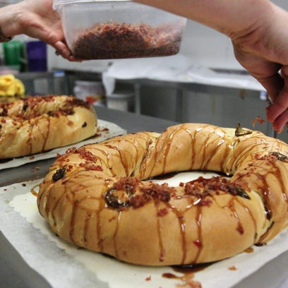 7 places to get your boudin king cake