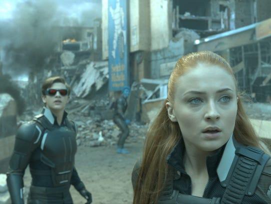 Cyclops (Tye Sheridan) and Jean (Sophie Turner) are