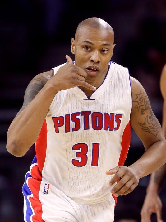 635524356730878436-AP-Magic-Pistons-Basketball-