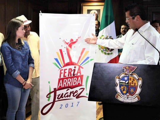 "Juárez Mayor Armando Cabada displays new logo for ""Feria"