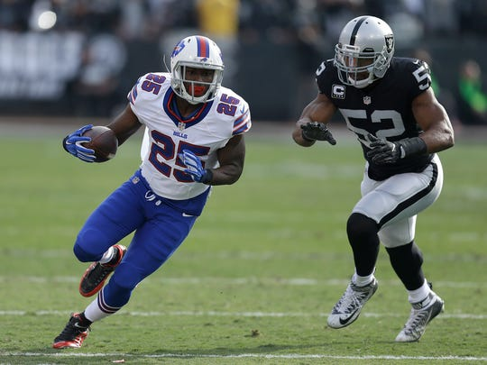 Buffalo Bills running back LeSean McCoy (25) runs in