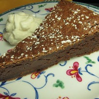 How to make decadent flourless chocolate cake