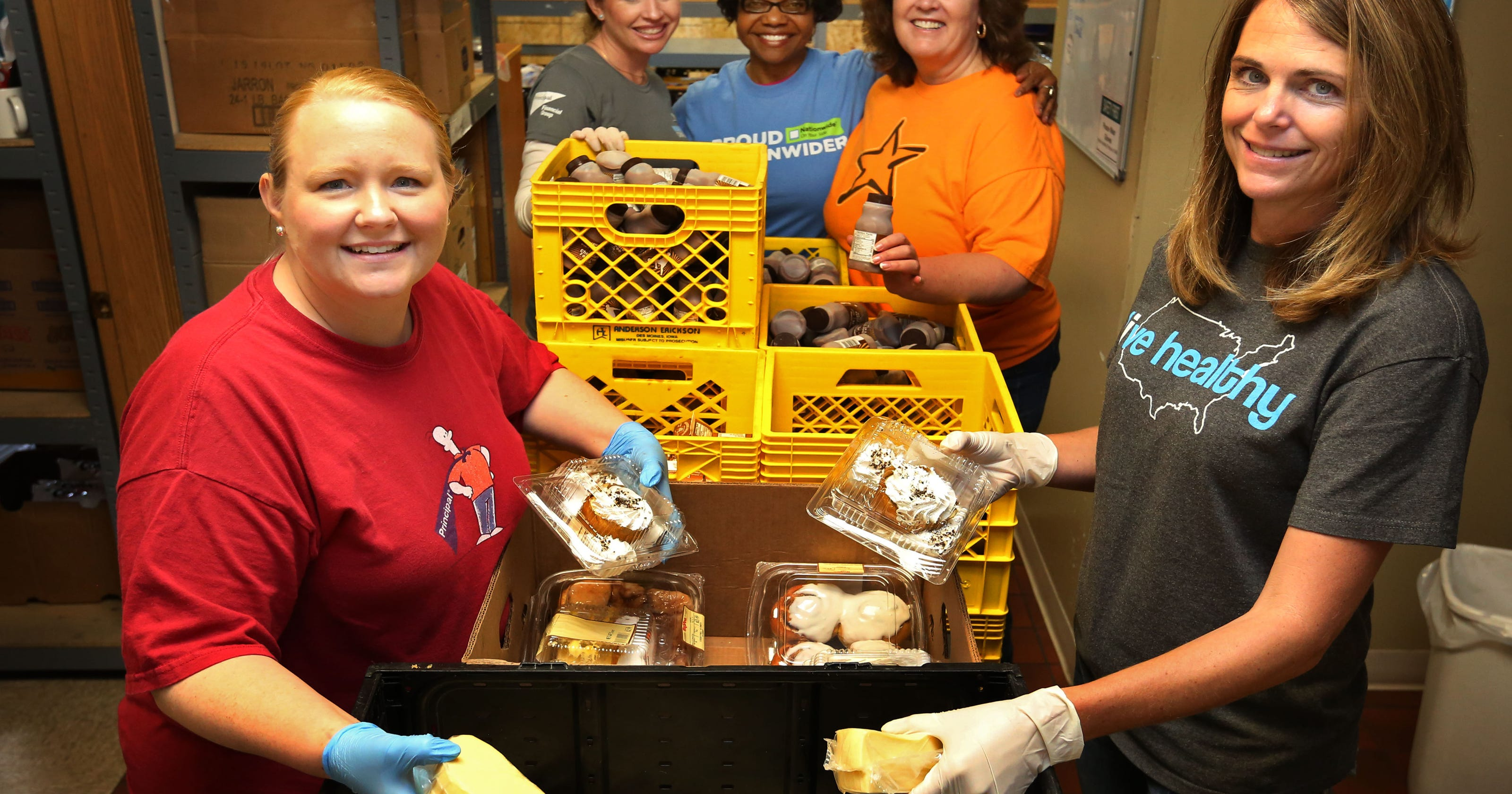 Find a holiday volunteer opportunity in Central Iowa