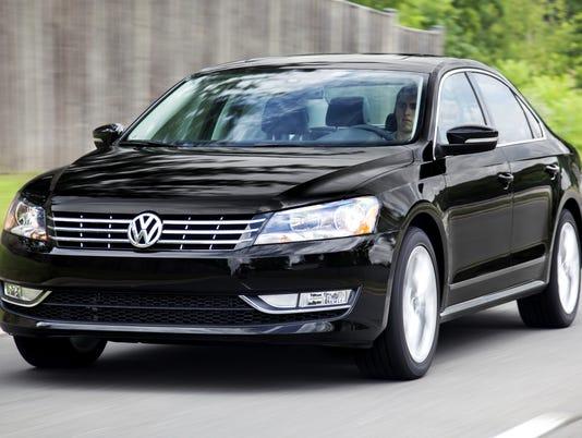 635716188254385919-2015-Volkswagen-Passat-sedan-