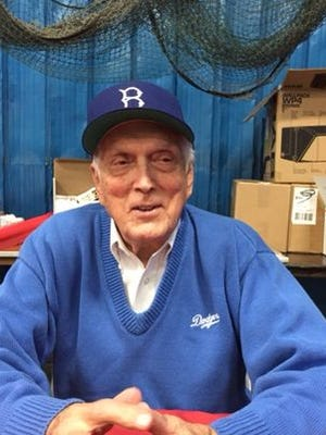 Former Dodgers pitcher Carl Erskine was a guest at the Moeller sports card show on Friday.