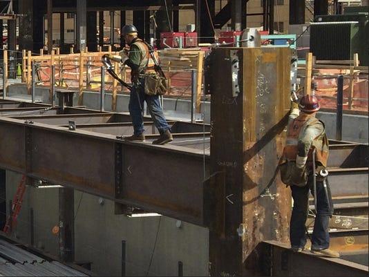 635565810967915514-construction