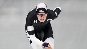 Carlijn Schoutens skates in the women's 3000m race.