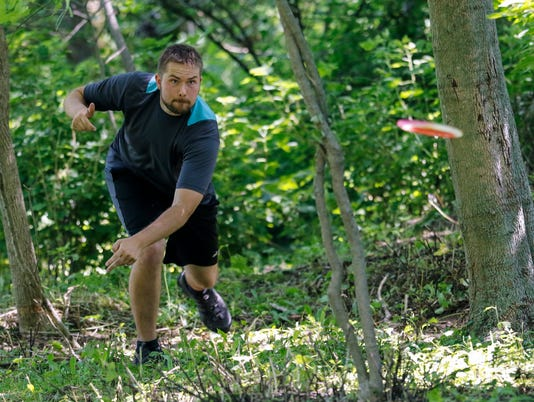 636357506775531055-MAN-Pro-Disc-Golf-071517-JC0073-JUMP.jpg