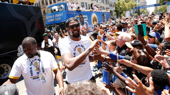 USP NBA: GOLDEN STATE WARRIORS-CHAMPIONSHIP PARADE S BKN USA CA