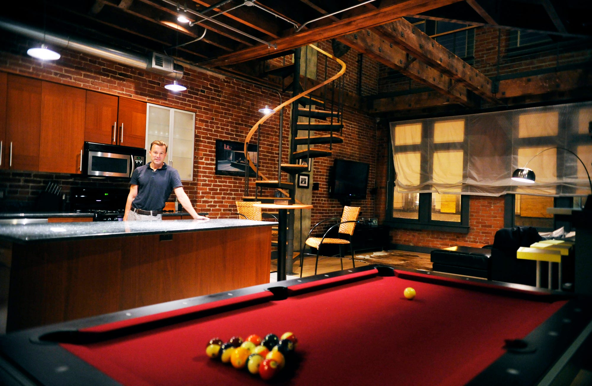 Bachelor Pad Decor: What Guys Should Know About Creating A Sleek, Usable  Space