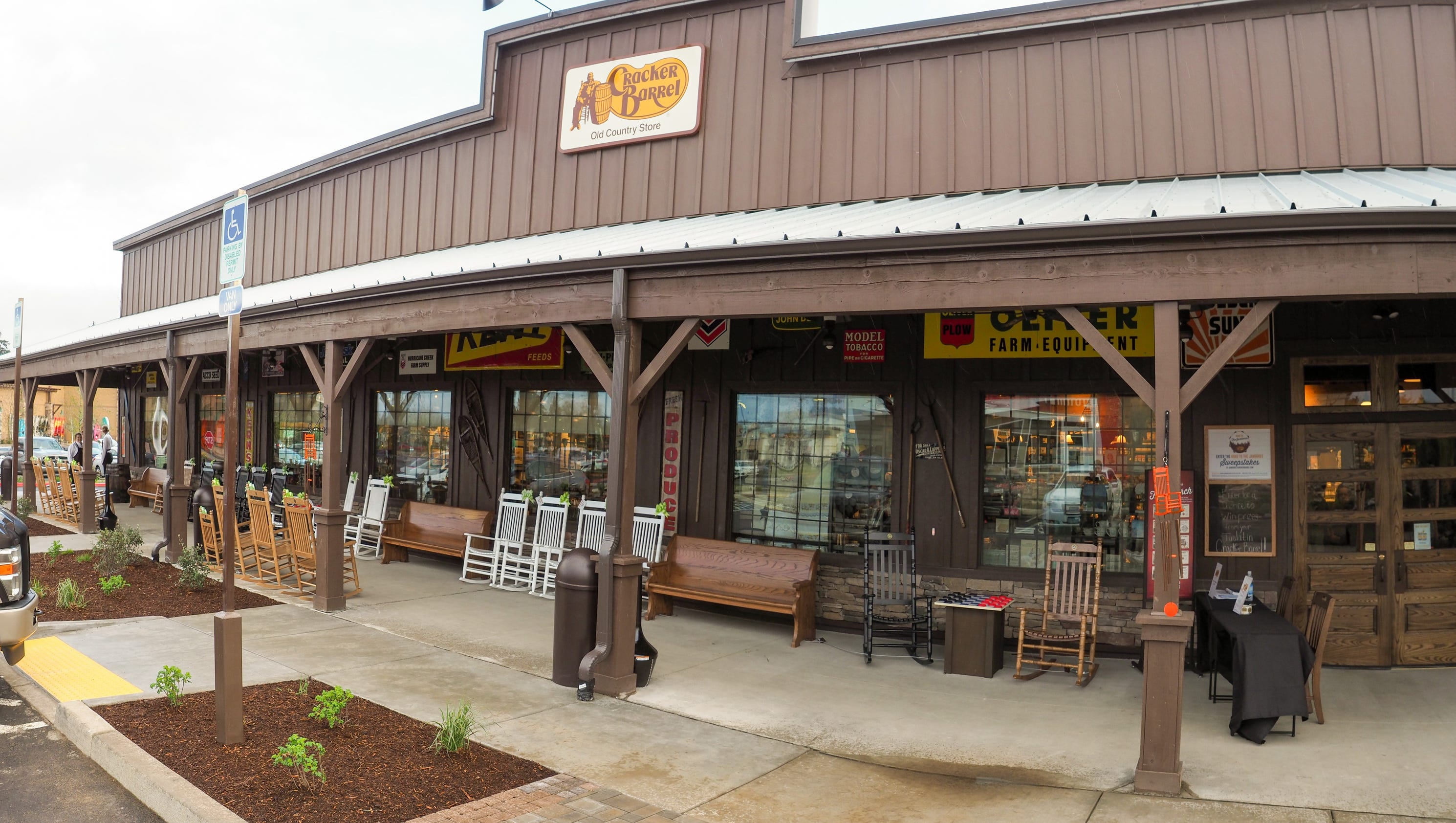 Cracker barrel opens first west coast location in tualatin for How did cracker barrel get its name