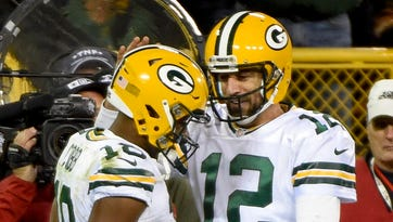 Packers offense finds its footing against Bears without Eddie Lacy