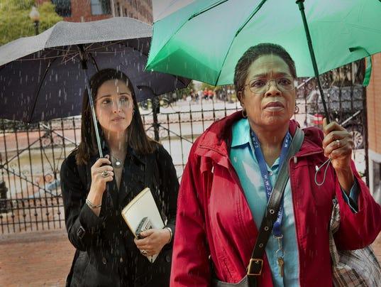 636282096830018160-Rose-Byrne-as-Rebecca-Skloot-2c-Oprah-Winfrey-as-Deborah-Lacks-credit-Quantrell-Colbert-HBO.jpg
